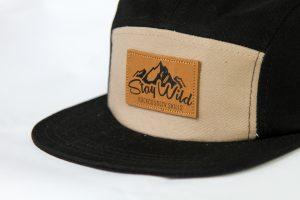 Beige / black stay wild hat